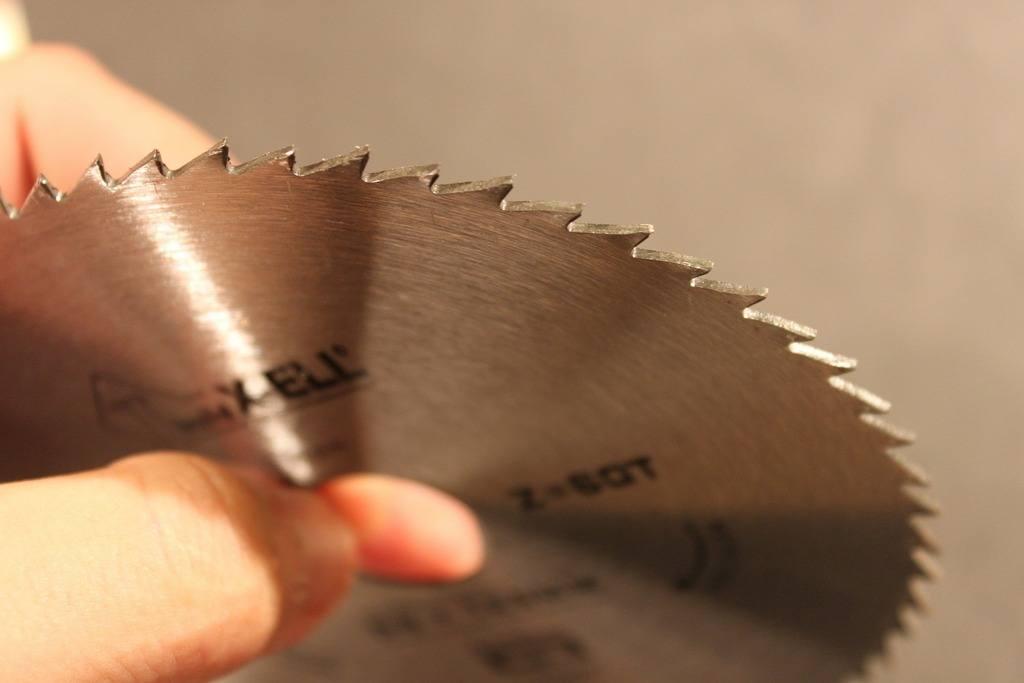 benefits of each miter saw