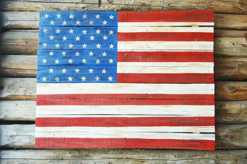 wooden american flag to build with kids