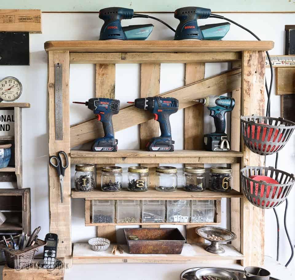 Garage pallet rack