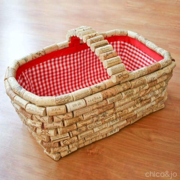 Wooen cork basket