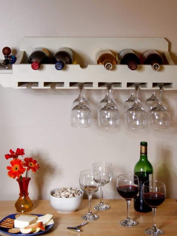 Long shelf rack with glass holder