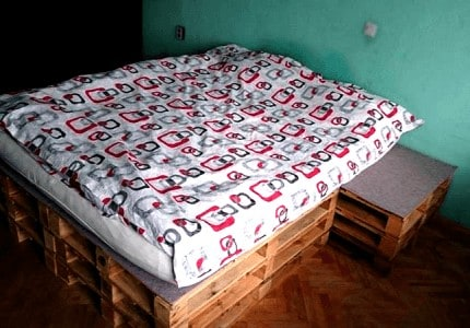 Pallet bed with print