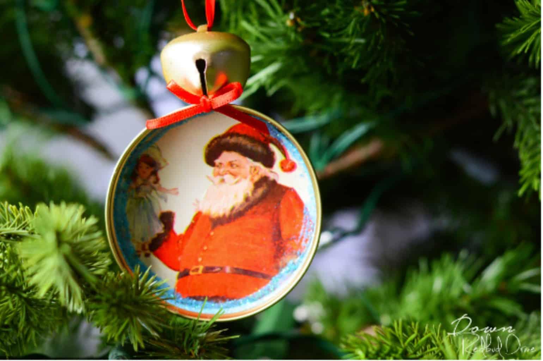 photo of a diy mason jar lid christmas ornament