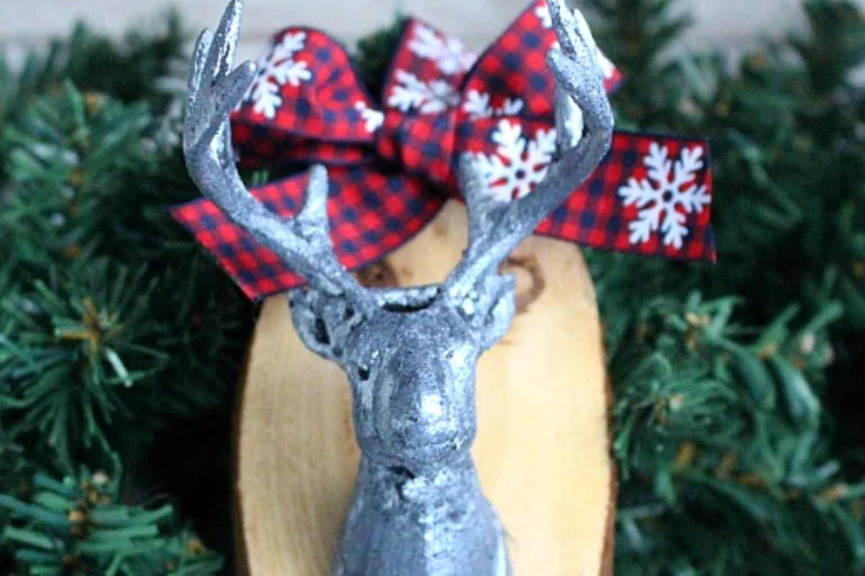 photo of a diy wood slice deer ornament