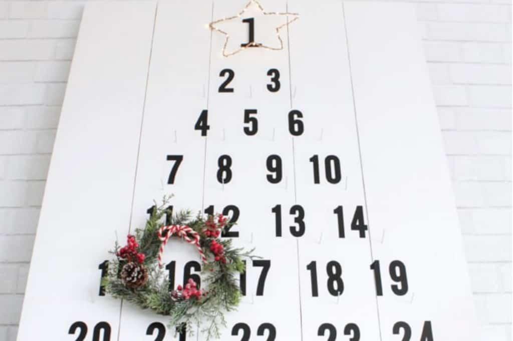 Common board advent calendar decor