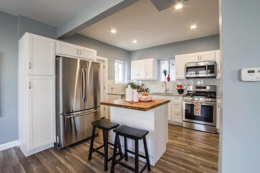 Kitchen with laminate countertop